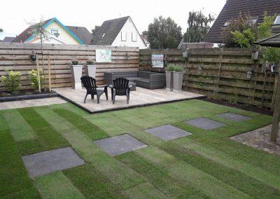 Veranda, tegel aanleg en beplanting